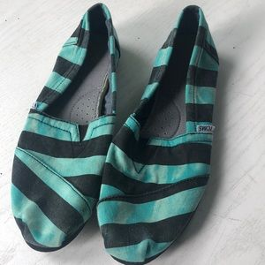 Teal and black faded stripes Toms